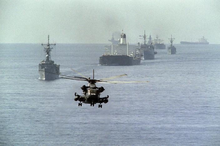 Navy helicopter tanker war