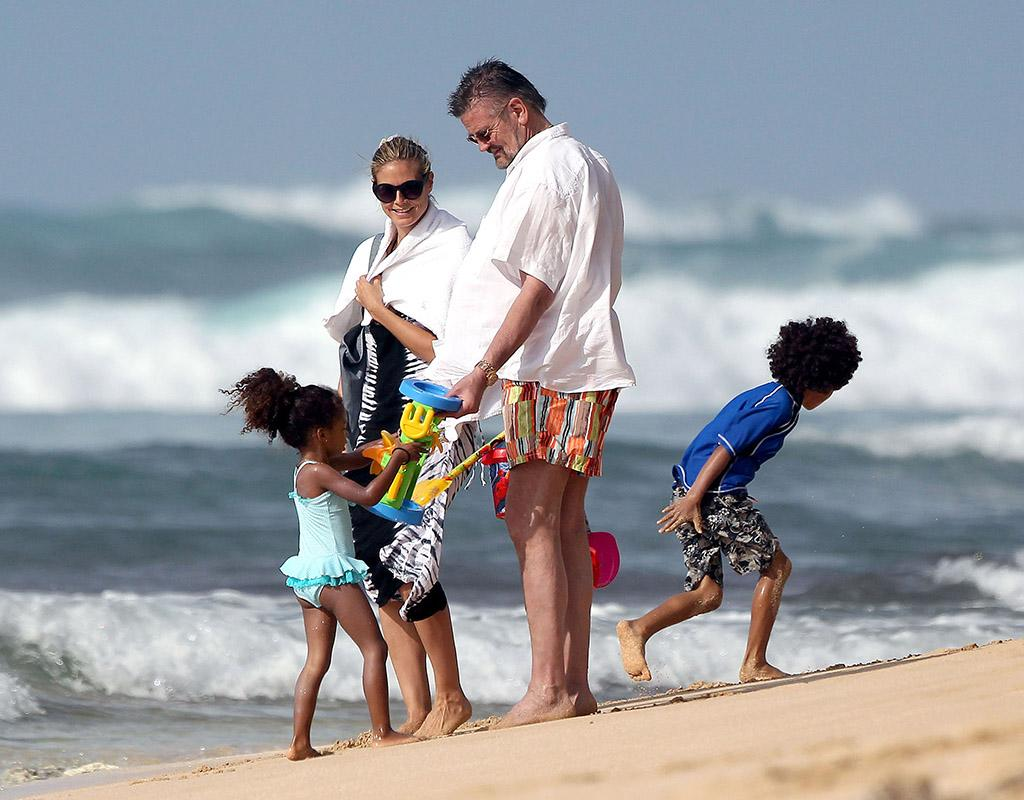 "51049970 ""America's Got Talent"" judge Heidi Klum and her boyfriend Martin Kristen play with her children on the sunny beach of Honolulu, Hawaii on March 26, 2013. FameFlynet, Inc - Beverly Hills, CA, USA -  1 (818) 307-4813"