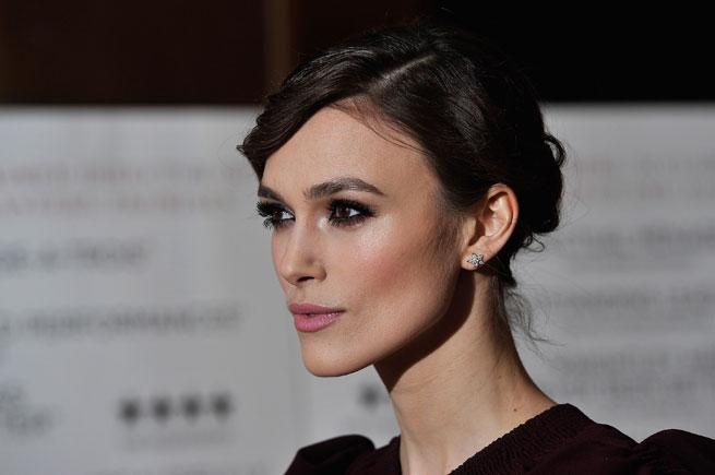 Beauty How To Video: Get Cheekbones Like Keira Knightley