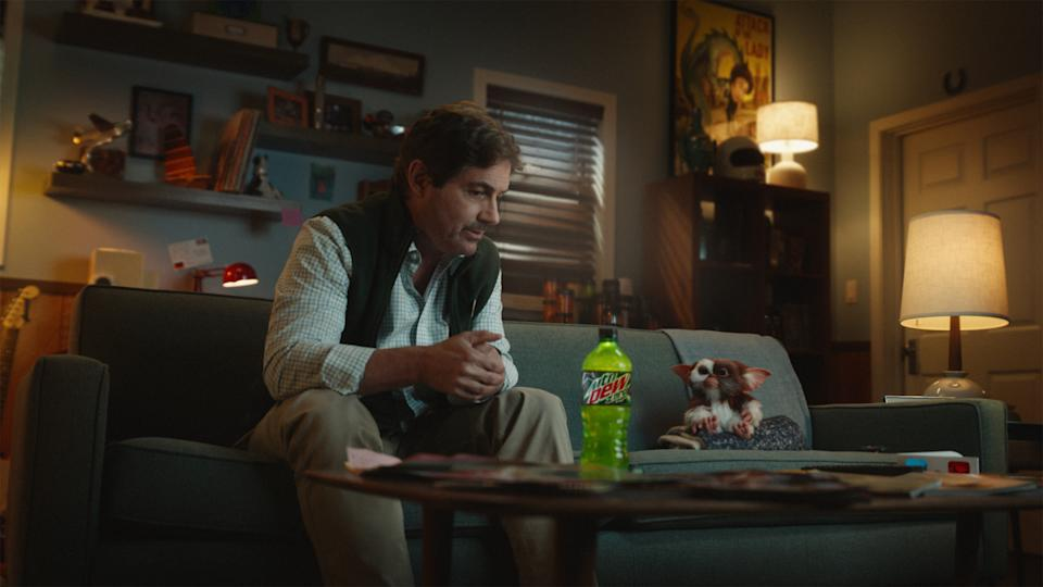 'Gremlins' stars Zach Galligan and Gizmo reunite for a new Mountain Dew commercial (Photo: PepsiCo)