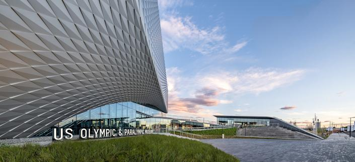 """<div class=""""caption""""> The site is adjacent to a rail yard over which an eventual bridge by Diller Scofidio + Renfro will allow access to an existing park. </div> <cite class=""""credit"""">Photo: Jason O' Rear</cite>"""