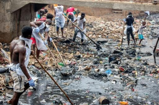 One of the poorest countries on the planet, Sierra Leone wrestles with major problems of infrastructure, such as sewerage, roads and power