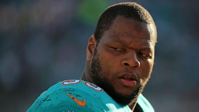 Defensive tackle Ndamukong Suh is adding the Jets to the mix since they are bringing the biggest offer.