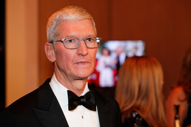 77th Golden Globe Awards - Arrivals - Beverly Hills, California, U.S., January 5, 2020 - Apple CEO Tim Cook . Picture taken January 5, 2020. REUTERS/Mike Blake
