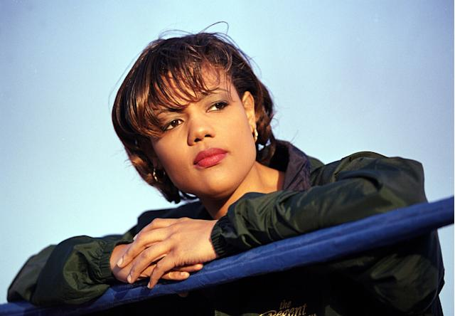 Freeda Foreman, seen here in a Las Vegas boxing ring in 2000, died at her home of suicide last week. (Getty)