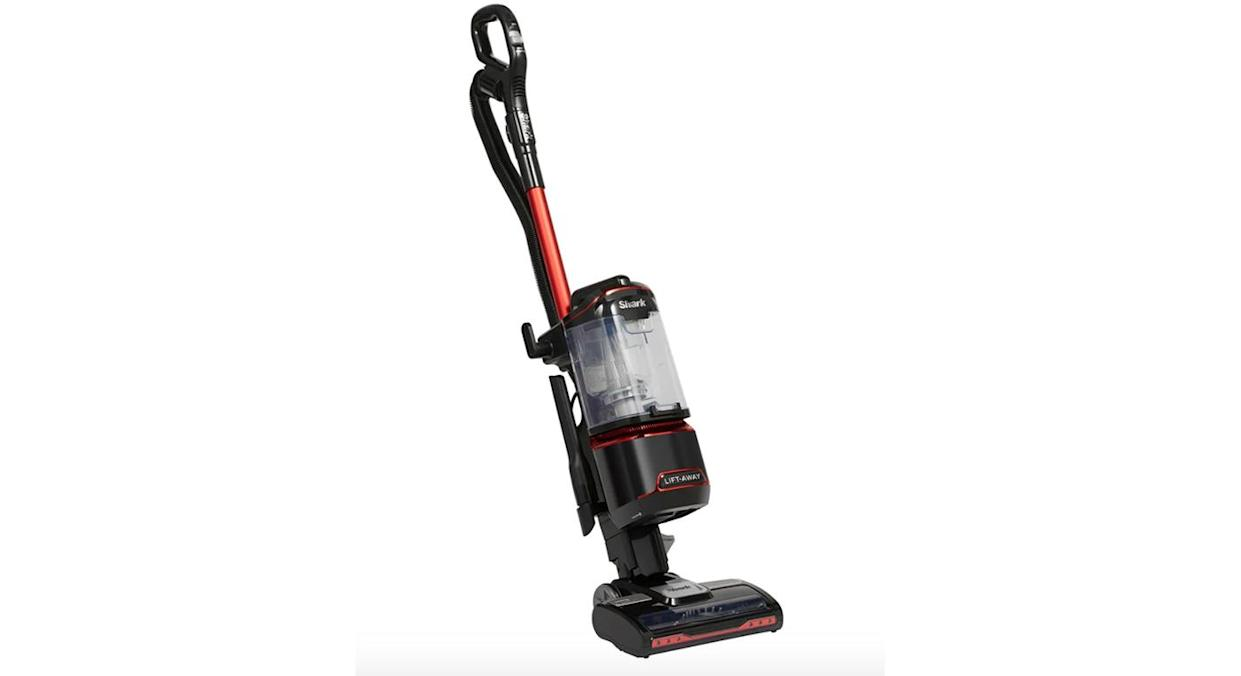 Lift-Away Upright Vacuum Cleaner with TruePet
