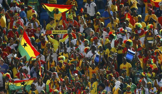 Fans of Ghana wait for the start of their 2014 World Cup Group G soccer match against USA at the Dunas arena in Natal June 16, 2014. REUTERS/Brian Snyder (BRAZIL - Tags: SOCCER SPORT WORLD CUP)