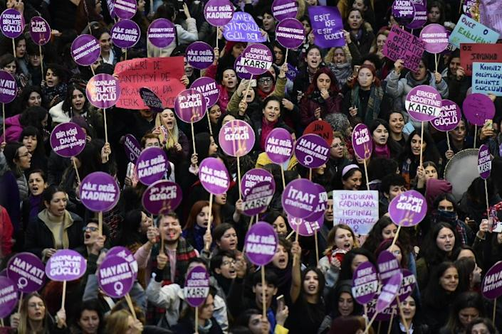 Around 1,000 demonstrators gathered for the march in Istanbul (AFP Photo/Yasin AKGUL)