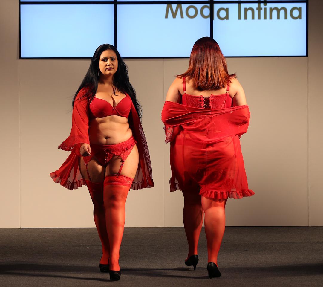 Models present creations from Vislumbre during Fashion Weekend Plus Size in Sao Paulo, Brazil, March 19, 2017. REUTERS/Paulo Whitaker     TPX IMAGES OF THE DAY
