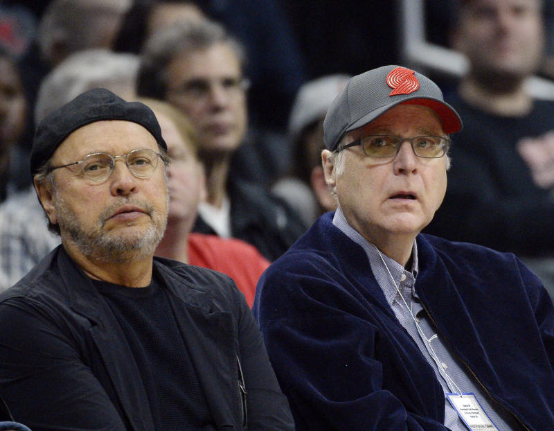Microsoft co-founder Paul Allen, right, donated $100,000 to a joint fundraising committee aiding Republicans in the upcoming midterm elections, according to FEC filings. (Kevork S. Djansezian via Getty Images)