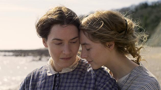 Saoirse Ronan & Kate Winslet's Ammonite Love Story Is Really About Fossils