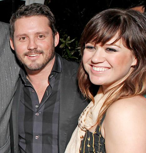 "Kelly Clarkson ""Cried"" When Brandon Blackstock Proposed"
