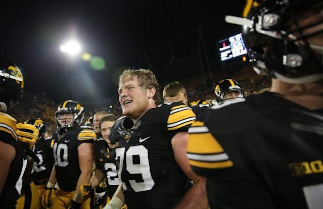 "<a class=""link rapid-noclick-resp"" href=""/ncaaf/players/227381/"" data-ylk=""slk:Sean Welsh"">Sean Welsh</a> has 35 career starts at Iowa. (AP)"
