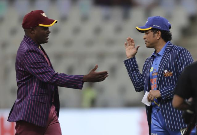 The Road Safety World Series, featuring cricket greats such as Sachin Tendulkar and Brian Lara, have been cancelled for the safety of the players and the public.