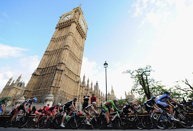 LONDON, ENGLAND - SEPTEMBER 18: The Peloton passes Big Ben during Stage Eight of the Tour of Britain at Whitehall, London on September 18, 2011 in London, England. (Photo by Jamie McDonald/Getty Images)