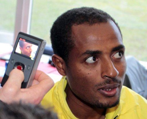 Reigning Olympic 5000-10,000m champion Bekele will run in the Paris qualifying race