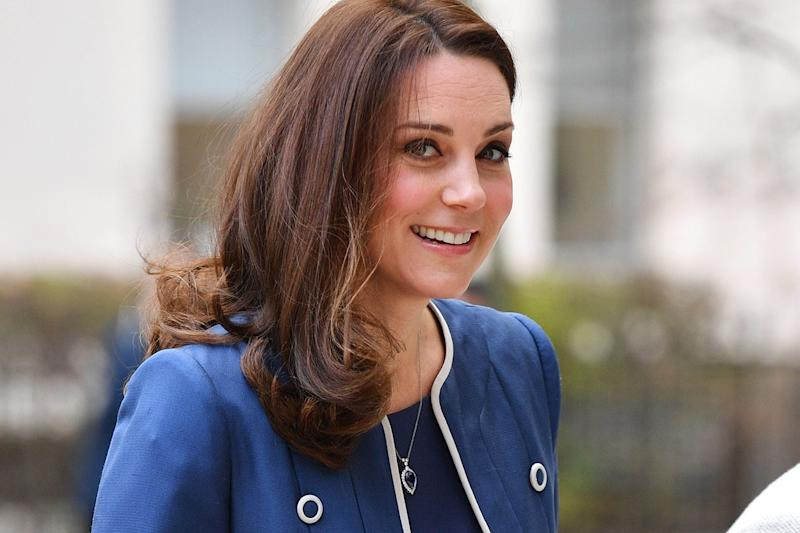 """Kate Middleton Makes Plans for Her Third Childbirth: """"She Feels Like She's in Very Safe Hands"""""""