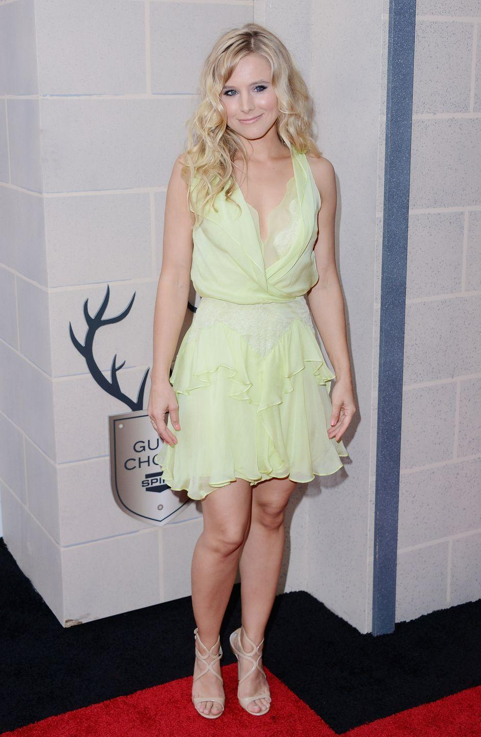<p>While Kristen Bell is known for being the voice of Anna from<em> Frozen</em>, we think she looks just like our favorite Disney fairy in this light green dress she wore in 2012.</p>