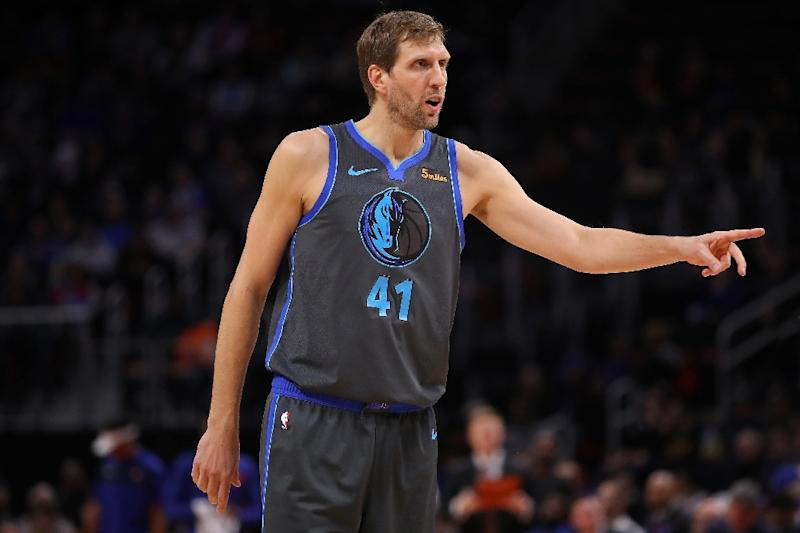 Nowitzki Wade Added To Rosters For Nba All Star Game