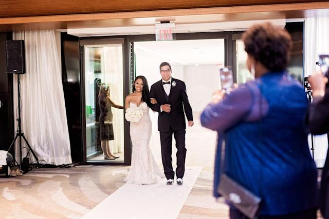 The moment that brought the groom to tears. (Photo: Pharris Photos)