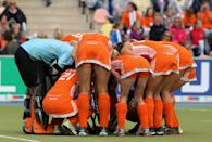MOENCHENGLADBACH, GERMANY - AUGUST 27: The Netherlands in an circle before the Women's EuroHockey 2011 final match between Netherlands and Germany at Warsteiner HockeyPark on August 27, 2011 in Moenchengladbach, Germany. (Photo by Mathis Wienand/Bongarts/Getty Images)