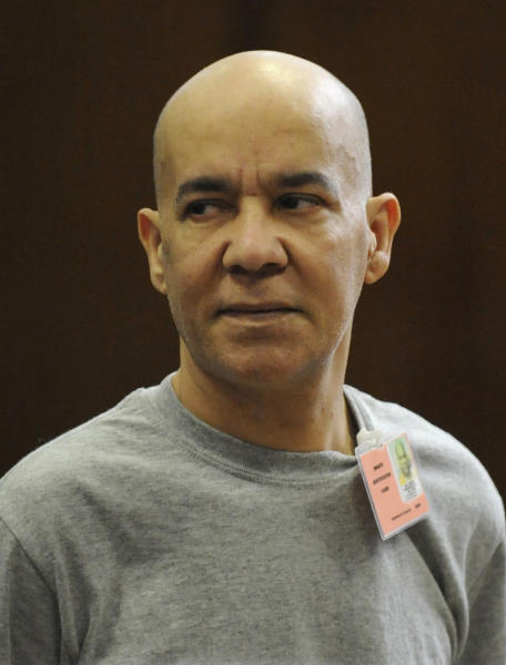 FILE- In this Nov. 15, 2012 file photo, Pedro Hernandez appears in Manhattan criminal court in New York. Hernandez, who is charged with killing 6-year-old Etan Patz in 1979, is expected to plead not guilty Wednesday Dec. 12, 2012 to murder despite police saying he confessed to the crime. (AP Photo/Louis Lanzano, Pool)