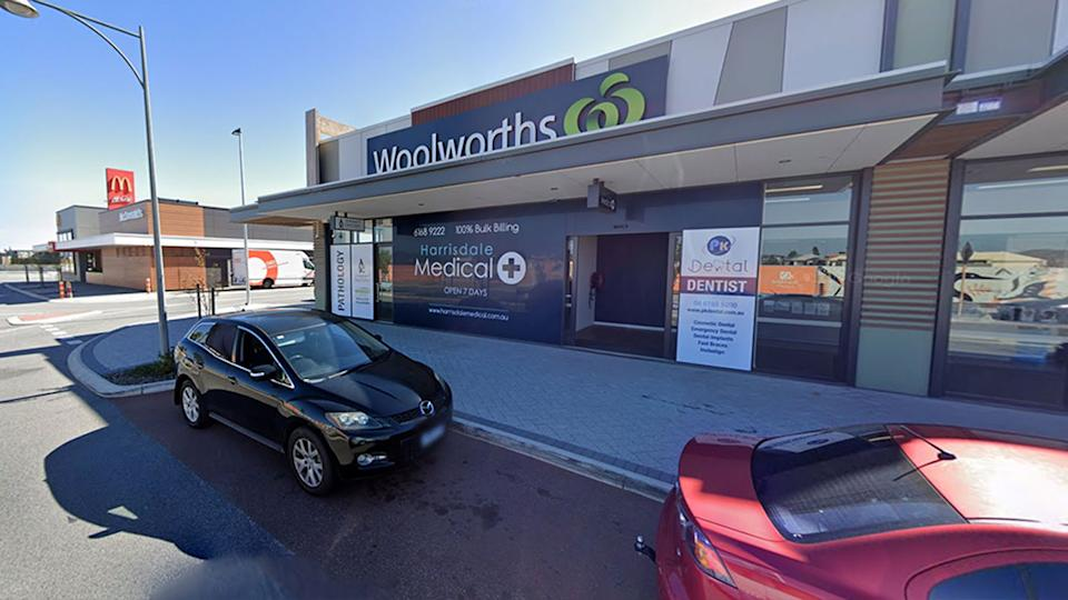 Jacqui Harvey had a very positive experience while shopping at Harrisdale Woolworths, following the announcement that Perth, Peel and the South West region will go into lockdown. Source: Google Maps