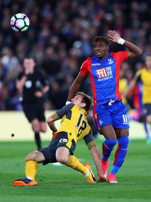 <p>Wilfried Zaha piles on the pressure for Palace</p>