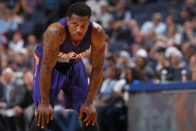 "Could a package centered around <a class=""link rapid-noclick-resp"" href=""/nba/players/4749/"" data-ylk=""slk:Eric Bledsoe"">Eric Bledsoe</a> be enough for the Suns to acquire <a class=""link rapid-noclick-resp"" href=""/nba/players/4840/"" data-ylk=""slk:Kyrie Irving"">Kyrie Irving</a>? (Getty)"