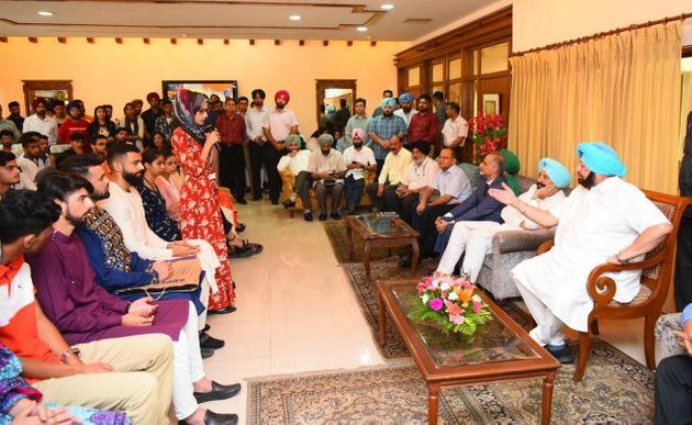 Punjab Chief Minister Amarinder Singh hosted Kashmiri students for lunch at Punjab Bhawan in Chandigarh on the occasion of Eid-al-Adha.