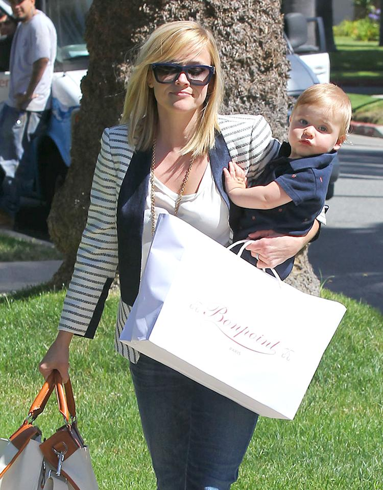 Reese Witherspoon took her latest addition, 9-month-old son Tennessee, to a pal's house in Los Angeles on Thursday. The little guy is Reese's child with agent husband Jim Toth, whom she married in 2011. And is it us, or does it look like the mom-and-son duo coordinated outfits! (6/20/2013)