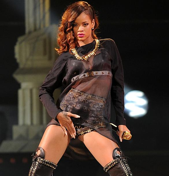 'She's Immensely Talented': Rihanna Hailed For 'Daring Sexuality' By Vagina Monologues Writer