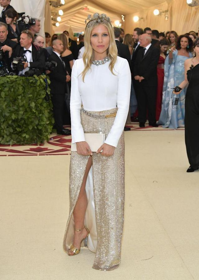 <p>Sienna Miller in Louis Vuitton. (Photo: Getty Images) </p>