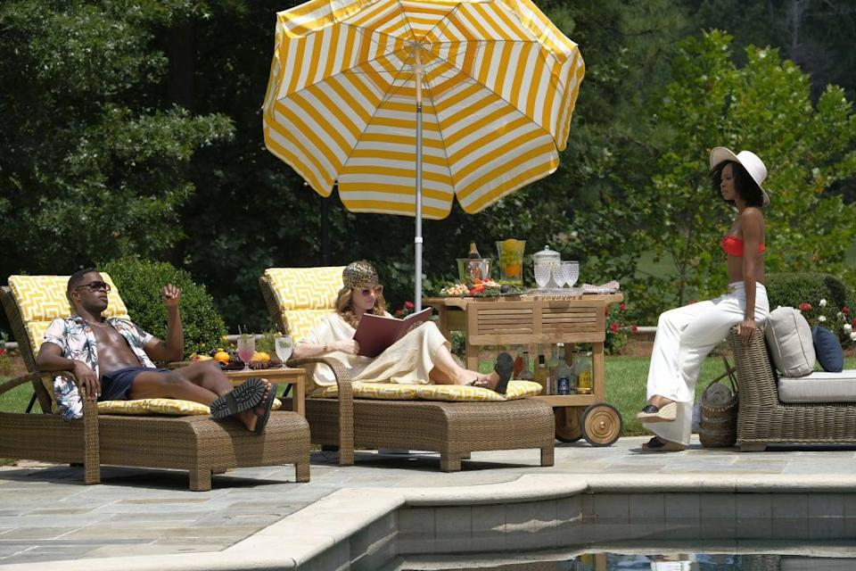 <p>BRB, copying this poolside look. </p>