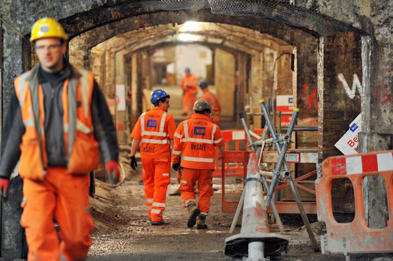 Construction jobs see average pay soar as UK loses EU workers