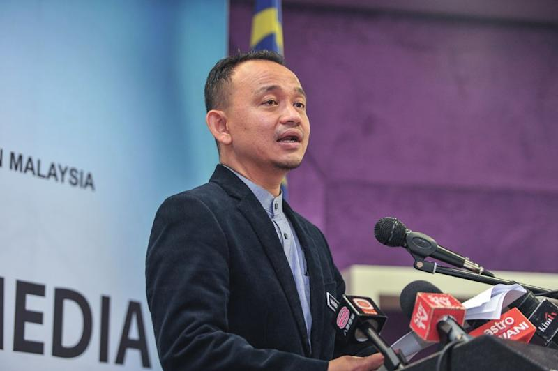 Education Minister Maszlee Malik said the government is loosening its controls so universities will have more autonomy in managing their academic programmes. — Picture by Shafwan Zaidon