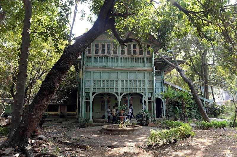 """The """"Kipling Bungalow"""" is one of several mansions in Mumbai, once associated with famous residents but now in ruin (AFP Photo/Indranil Mukherjee)"""