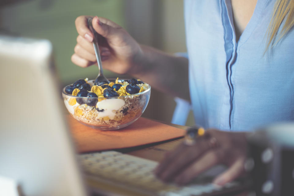 There are healthier swaps you can make when it comes to snacking. (Posed by model, Getty Images)