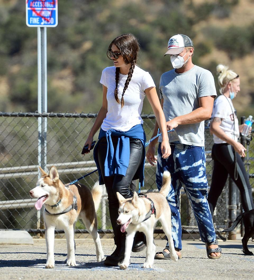 <p>Also on a dog walk in Los Angeles on Thursday: Leonardo DiCaprio and girlfriend Camila Morrone.</p>