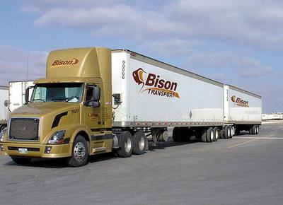 64 tonne B-train tractor-trailer operated by Bison Transport (CNW Group/Ballard Power Systems Inc.)
