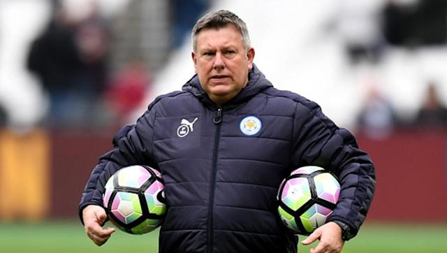 <p>It's 2:15pm, the teams are on the pitch doing their pre-match warm up and that means it's time for Mr Shakespeare to get a couple of official Premier League balls under his arms...</p>