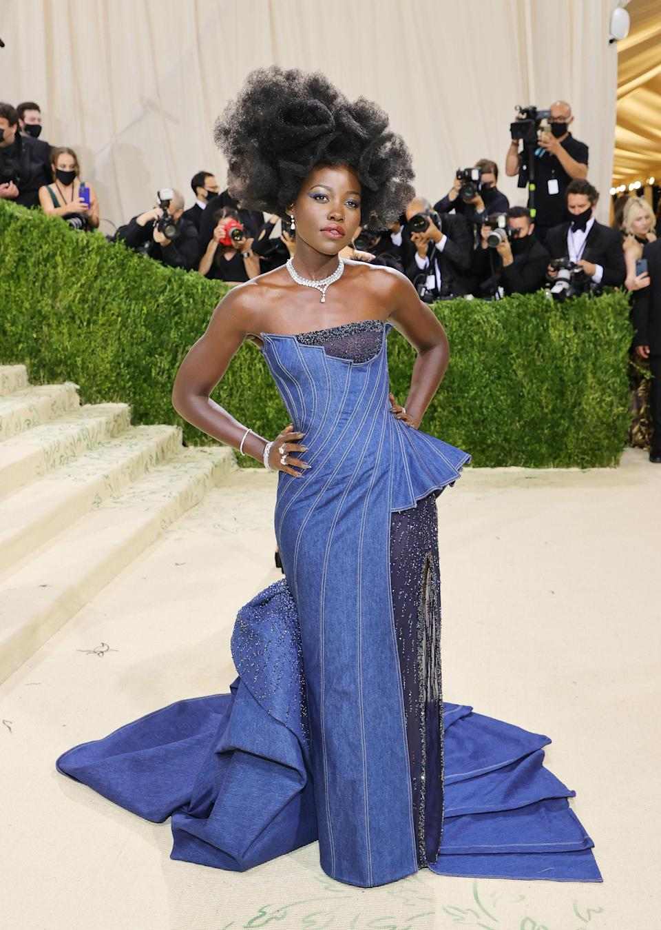 Is there anything more American than blue denim? Lupita's couture Versace ensemble proves why the fashion staple is so timeless, and how you can still nail the theme while wearing a European designer.