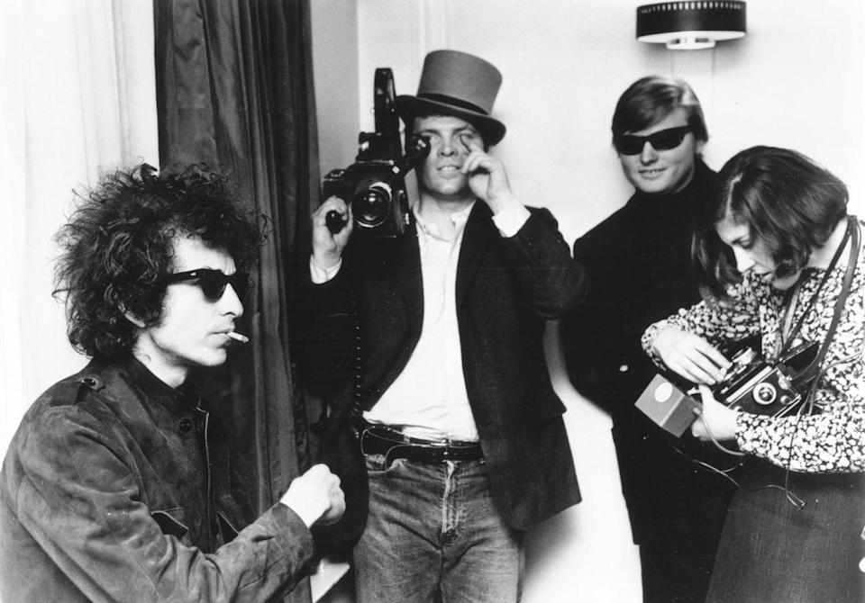 <p>D.A. Pennebaker films Bob Dylan for the documentary film <em>Don't Look Back</em> about Dylan's 1965 tour of England.</p>