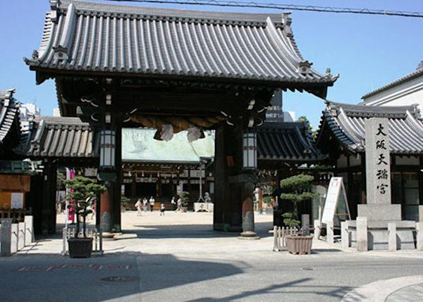 ▲Osaka Tenmangu Shrine was founded after Sugawara no Michizane, the god of the festival, stopped off here on his way to Dazaifu in Kyushu to pray for a safe journey. (Photo courtesy of Osaka Tenmangu Shrine)