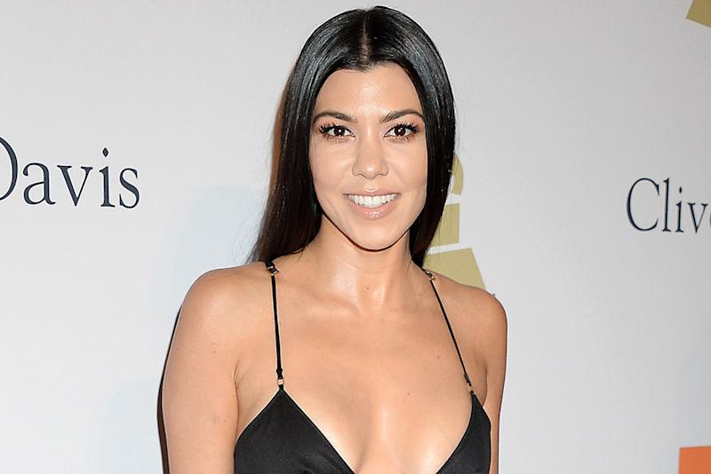 How kourtney kardashian does nude on nude without looking for What does kourtney kardashian do