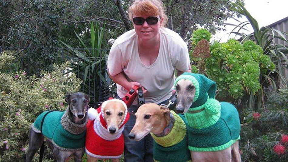 Knitting Jobs London : This woman quit her job to knit sweaters for rescued