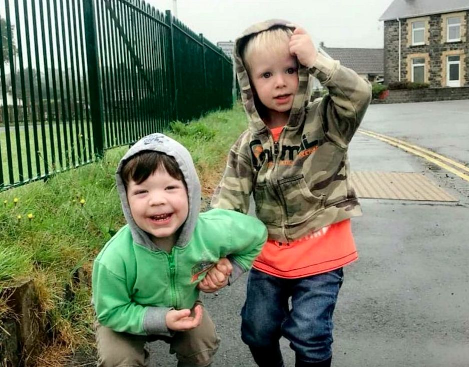 Harley, left, and Zac, right, before the fire that claimed Zac's life. (SWNS)