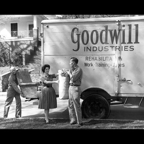 ed642593c52 Expert Tips on Finding Treasures at Goodwill (Skip the Jewelry Case!)