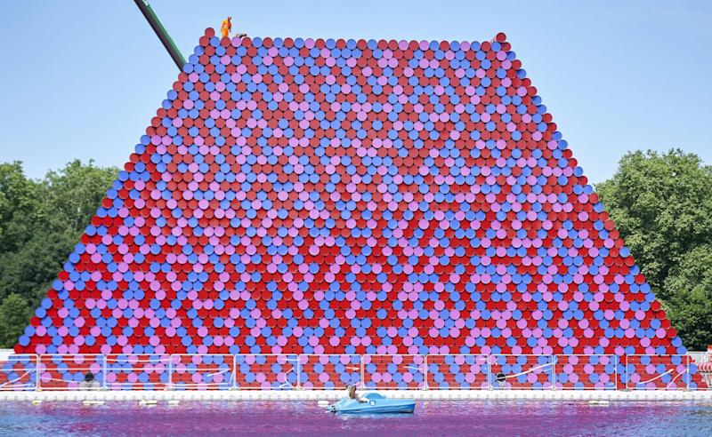 The Mastaba, made up of more than 7,000 stacked barrels, on the Serpentine in Hyde Park - NIKLAS HALLE'N/ AFP