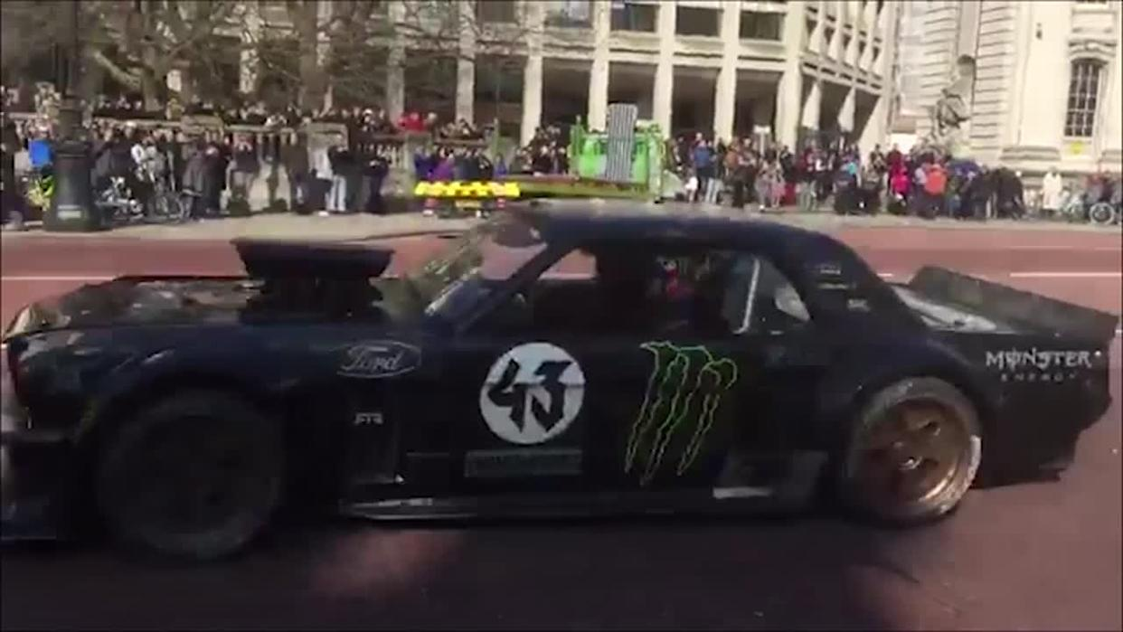 Top Gear Team Film Stunts by the Cenotaph
